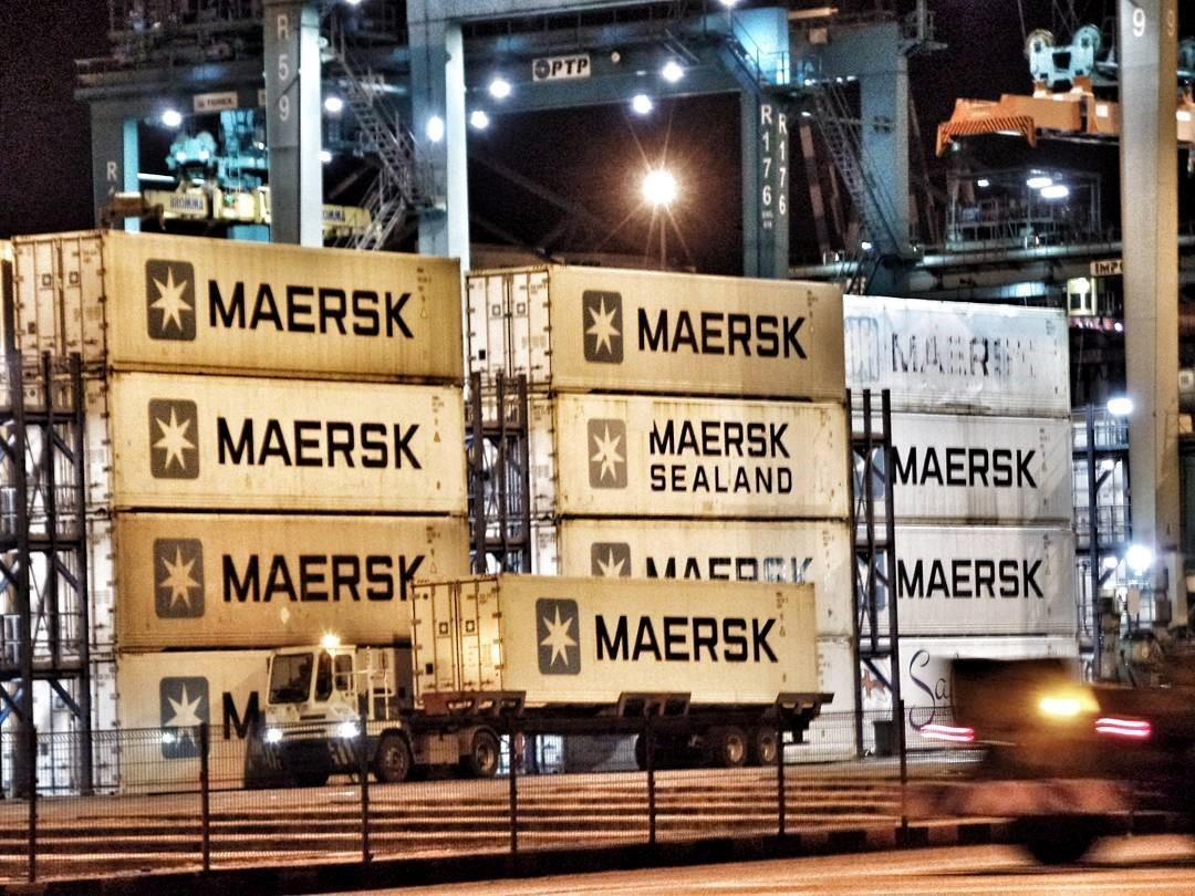 PIC: Maersk Line's containers waiting at Tanjung Pelepas, Malaysia